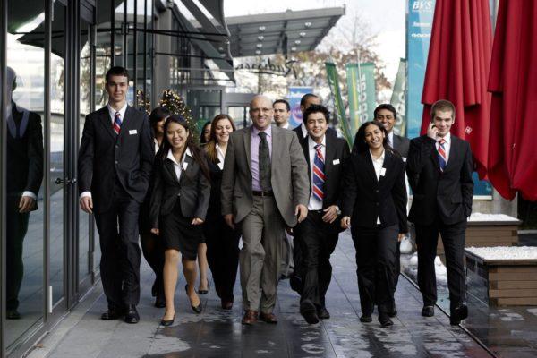 Твій шлях до міжнародної кар'єри