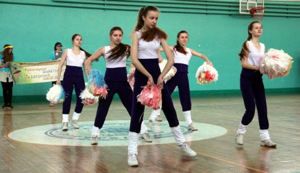 група підтримки – команда аеробіки Львівського коледжу легкої промисловості