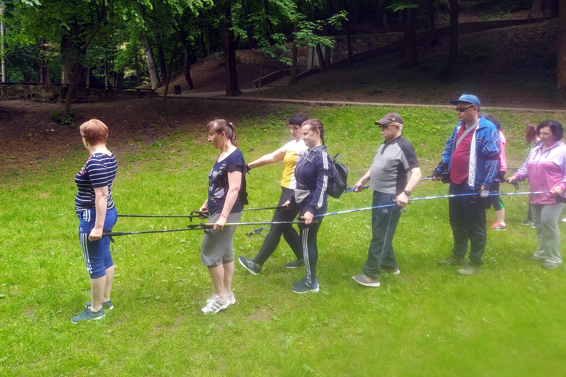 Тандемна участь у скандинавській ходьбі